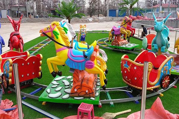 皇家跑馬遊樂設備